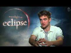 ▶ The Twilight Saga - Eclipse: Robert Pattinson - Buzzine Interviews - YouTube