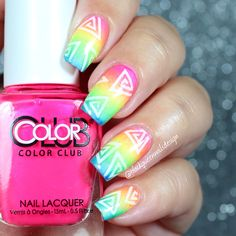 Triangle rainbow with vinyls from snailvinyls.com by @blackqueennailsdesign