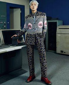 #bts #hoseok Jimin, Foto Jungkook, Foto Bts, Seoul Fashion, Fashion Show, Louis Vuitton Pattern, Hope Fashion, Scene Boys, Vogue Japan