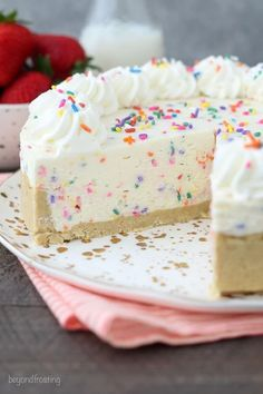 No-Bake Funffetti Cheesecake is the best funfetti cheesecake ever! The recipe uses a combination of white chocolate and cake batter whipped cream to make the ultimate funfetti taste shine through in this no-bake cheesecake. No Bake Desserts, Easy Desserts, Delicious Desserts, Dessert Recipes, Yummy Food, Easy Birthday Desserts, Birthday Treats, Health Desserts, Dessert Oreo