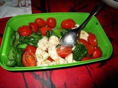 Prinsessä Nautasikaan kasviskeittokirja 2015: Basilika, tomaatti, kirsikkatomaatti ja samettinen bataattikeitto