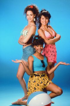 Fashion Flashback Friday: Saved by the Bell's Lisa Turtle is Remarkably On-Trend RIGHT NOW (We Have 10 Reasons Why!)