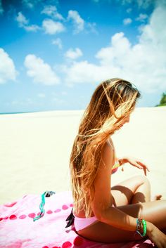 summer highlights. lovely no short hair ever looks this good at the beach! Love my long hair and highlights in the summer