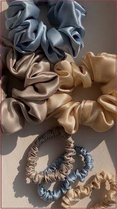 Sewing Clothes, Diy Clothes, Diy Hair Scrunchies, Silk Hair, Hair Accessories For Women, Diy Accessories, Mask Design, Diy Hairstyles, Headbands