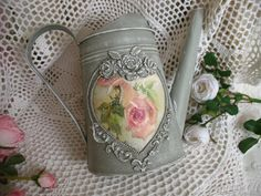 Tole Painting, Painting On Wood, Victorian Christmas Decorations, Decoupage Art, Diy Bottle, Milk Cans, Bottles And Jars, Shabby Chic Decor, Diy And Crafts