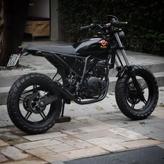 See several of my favorite builds - custom made scrambler hybrids like Yamaha Cafe Racer, Ducati Scrambler, Cafe Racer Motorcycle, Moto Bike, Custom Cycles, Custom Bikes, Suzuki Yes 125, Cbx 250, Motocross