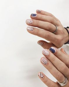 Minimalist nails in neutral colours - grey, black and beige Nail Art Designs, Acrylic Nail Designs, Nails Design, Cute Nails, Pretty Nails, Hair And Nails, My Nails, Pink Nails, Pink Manicure