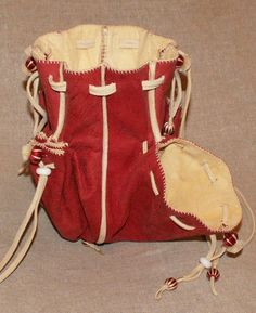 Drawstring purse with many pockets