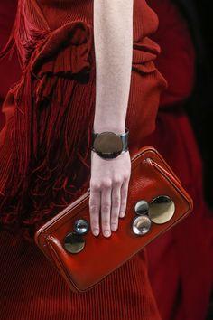 Bottega Veneta Spring 2014 Fashion Bags, Fashion Show, Fashion Accessories, Fashion Purses, Runway Fashion, Popular Purses, Bags 2014, Classy And Fabulous, Red Apple