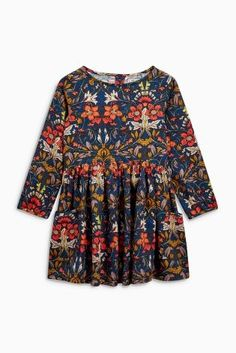 Spring is around the corner, bringing with it gorgeous floral dresses for the littl'uns!
