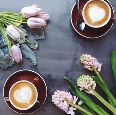 Lattes and flowers
