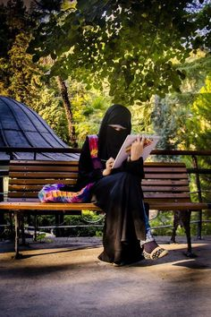 """Niqab didn't stop me once from doing what I love, it didn't stop me from studying photography and film-making and choosing this field as a lifetime career! What was really surprising to me that niqab helped me actually! People now get to look at my work and give their opinion based on what they thought of it and they're not being distracted by my appearance! People now get to see my personality purely!"" #Muslims_Everyday"