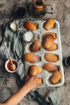 Hi guys and happy Saturday! Getting loats of DMs about the giveaway winner. Do not worry, I am going to announce it as soon as Zakia tells… Madeleine Food, Biscuits, Honey Recipes, Cookie Jars, Food Design, Pretzel Bites, I Love Food, Cake, Food Photography