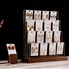 Jewelry Display Solutions by BiieiiDisplay Retail Jewelry Display, Wood Jewelry Display, Jewelry Stand, Jewellery Storage, Jewelry Organization, Display Ideas For Jewelry, Boutique Jewelry Display, Vintage Jewelry Crafts, Diy Jewelry