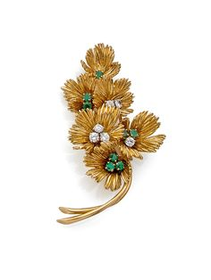 Boucheron brooch bouquet of flowers in yellow 18k gold (750) chased, the hearts…