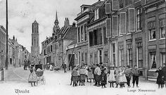 Uit het archief: De Dom vanaf de Lange Nieuwstraat