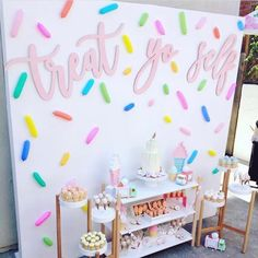 Produção super fofa no Tema Sorvete! ・・・ How adorable is this ice cream theme party that was planned and styled to… Donut Birthday Parties, Donut Party, Candy Theme Birthday Party, Colorful Birthday Party, Birthday Backdrop, Girl Theme Party, Diy Party Backdrop, Candy Land Theme, Candy Bar Party