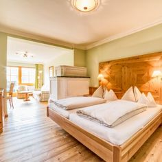 Wellnesshotel Österreich - Wellnesshotel Eggerwirt****s Bed, Furniture, Home Decor, Living Area, Bed Room, Vacations, Homes, Decoration Home, Stream Bed
