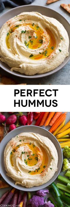 BEST Hummus - This is how you make the perfect light and fluffy hummus every time! Simple ingredients, super easy method and perfectly delicious end results every time. hummus recipe appetizer healthyrecipe snack via 409335053628870081 Easy Hummus Recipe, Hummis Recipe, Hummus Recipe Cumin, Hummus Recipe Vitamix, Garlic Free Hummus Recipe, Lebanese Hummus Recipe, Perfect Hummus Recipe, Roasted Garlic Hummus, Hummus