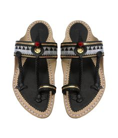 Attractive Black and White Handcrafted Leather Sandal for Men- DLC-M-167