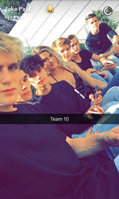 Ayeeee Team 10❤