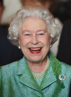 Queen Elizabeth II Photos - Queen Elizabeth II smiles at a reception held at Windsor Castle for the Bloomsbury Qatar Foundation Publishing Project, April 2010 in Windsor, England. - Queen Elizabeth II Holds Reception At Windsor Castle Hm The Queen, Royal Queen, Her Majesty The Queen, Save The Queen, Queen Liz, Queen Elizabeth Memes, Pictures Of Queen Elizabeth, British Royal Families, Teaching History