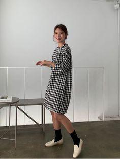 Korea Street Style, Dresses For Work, Dresses With Sleeves, Long Sleeve, Fashion, Moda, Sleeve Dresses, Long Dress Patterns, Fashion Styles