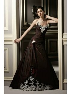Red Lace Applique Gothic Wedding Dress - Devilnight.co.uk