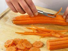 Gemüse schnitzen - Deko zum Vernaschen aus Tomaten, Möhren & Co. - flache-moehrenblueten  Rezept
