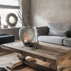 This coffee table and sofa Small Space Interior Design, Home And Deco, Living Room Inspiration, Rustic Interiors, Home And Living, Interior Architecture, Home Furniture, Living Room Decor, Family Room