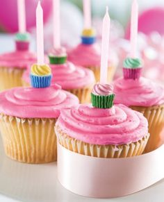 Cute, pink birthday party cupcakes that is perfect for your kids birthday party!