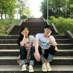 Images and videos of ulzzang couple Mode Ulzzang, Ulzzang Girl, Gay Couple, Couple Posing, Cute Couples Goals, Couple Goals, Senior Photography, Couple Photography, Cute Korean