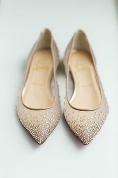 neutral colored Christian Louboutin wedding shoes flats - ◽ Love Those Shoes ◽ - Schuhe Louboutin Wedding, Red Louboutin, Cute Flats, Silver Heels, Gold Flats, Gold Sandals, Glitter Flats, Sparkle Flats, Grey Heels