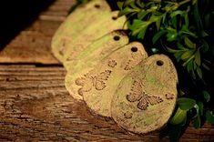 sada+5+ks+vajíček-zelené-ihned+cena+ja+za+celou+sadu+vajíčka+jsou+k+zavěšení Moth, Insects, Sad, Easter, Spring, Easter Activities
