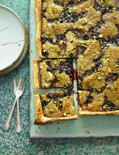 Blackcurrant and pistachio tart from Honey & Co.'s Sarit Packer Sweet Pie, Sweet Tarts, Fruit Recipes, Baking Recipes, Fall Recipes, Sweet Recipes, Vegan Recipes, Pie Crumble, Sweet Pastries