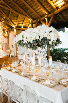 dramatic and glam wedding table decor