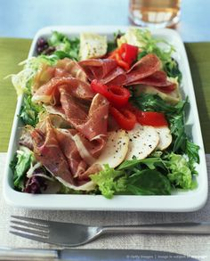 Antipasto salad Antipasto Salad, Cobb Salad, Salads, Soup And Salad, Tuna, Soups, Delish, Low Carb, Tasty