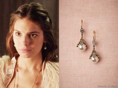 Azaara snow bud earrings from Reign worn by Queen Elizabeth in Reign Mary, Mary Queen Of Scots, Queen Elizabeth, Bash And Kenna, Kenna Reign, Lady Kenna, Caitlin Stasey, Reign Tv Show, Reign Dresses