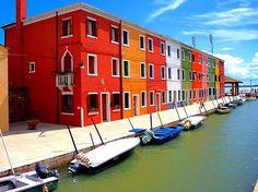 Burano, #Italy <3 - See more here: http://whenonearth.net/burano-italys-technicolor-town/