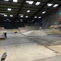 Instagram #skateboarding photo by @enuffskateboards - Had an awesome time with @manapiff and @phillongting @flo_skatepark the past two evenings. If you are ever in the Nottingham area be sure to check out this fantastic facility. @fortytwoshop @nottingham_skateboarding #enuff #enuffskateboards #skate #skating #skateboard #skateboards #skateboarding #skatepark #floskatepark #nottingham #nottinghamskateboarding. Support your local skate shop: SkateboardCity.co