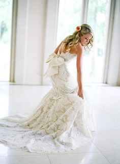 lace dress WOW love the big bow :)