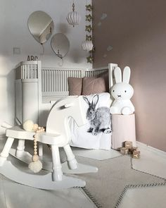 "Polubienia: 6,689, komentarze: 196 – Siv L (@nr13b) na Instagramie: ""Swing The playroom is getting there! #playroom #lekerom #barnerom #barnerominspo #boysroom…"""