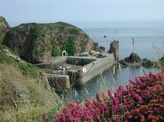 The only way in is by boat, folks!  Sark Island  (10k from Guernsey)