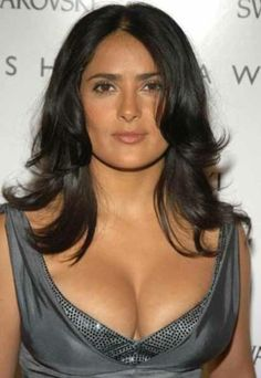 Salma Hayek and her world famous cleavage Selma Hayek, Salma Hayek Bra Size, Salma Hayek Body, Salma Hayek Bikini, Salma Hayek Hair, Salma Hayek Measurements, Body Measurements, Salma Hayek Pictures, Jolie Lingerie