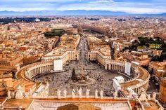 Praça de São Pedro (Vaticano) - A grandiosidade deste ponto de encontro de turistas e fiéis impressi... - Shutterstock