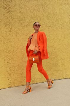 Spring Summer Fashion, Autumn Fashion, Spring Outfits, All About Fashion, Passion For Fashion, Mode Monochrome, Neon Pants, Orange Suit, Orange Pants