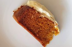 A super easy fuss-free, nut-free, sugar-reduced carrot cake recipe from my Twitch Live Asian Kitchen broadcast Carrot Cake Ingredients, Icing Ingredients, Cake Eater, Western Cakes, Cream Cheese Topping, Food 101, Asian Kitchen, Baking Tins, Cake Tins