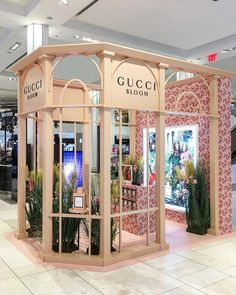"MACY'S, Herald Square, New York, ""In Bloom"", for Gucci, photo by Visual Cosmetics and Fragrances, pinned by Ton van der Veer"