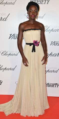Lupita Nyong'o's Red Carpet Style - In Gucci, 2015 - from InStyle.com jαɢlαdy