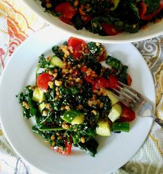 Ugly Vegan Kitchen - Middle Eastern Wheat Berry Salad with Kale, Cucumbers and Tomatoes #wheatberry #wheat #wheatlovers #wheatgrass #wheatberries #farming #healthy #homegrown #Farm #wheatrecipes #food #foodie #healthylifestyle #healthyeating Wheat Berry Salad, Ground Fennel, English Cucumber, Wheat Grass, Vegan Kitchen, How To Dry Oregano, Kale, Whole Food Recipes, Berries